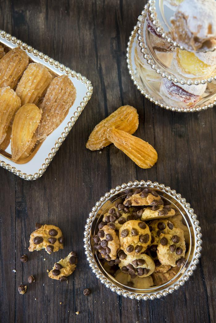 Cookies caseiros, carolinas com e sem recheio, pretzels, muffins, tortas de banana, tortas de ricota, mil folhas e muito mais. Tudo para adoçar o seu dia!